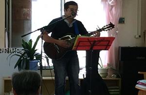 ギターの弾き語り01
